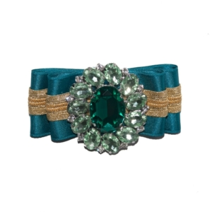 Amazing new trend Strik, Bow, Brooch in Dark Turquoise with gold accent ribbon and extra large Multicolor Green Glass Brooch in center online kopen buy www.axelles.be