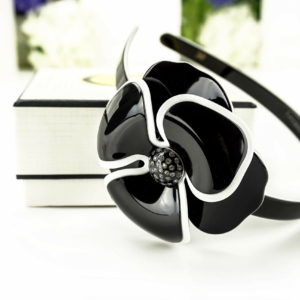 Luxe haarband Camelia, hoofdband zwart, in geschenkdoos.