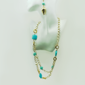 Chain necklace with turquoise and pearls, shell earrings, designers Axelles