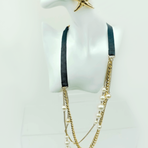 Layered classic chain necklace with pearls