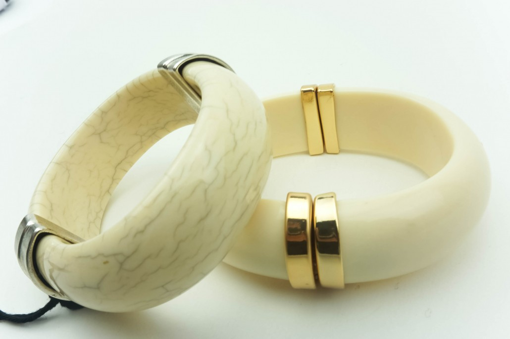 bracelet,bangle,cuff, natural, creme, neige, stone, color, eco-component-metal-plated-accent buy online kopen www.axelles-fashion