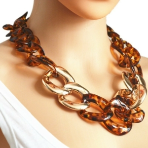 Acrylic chain necklace