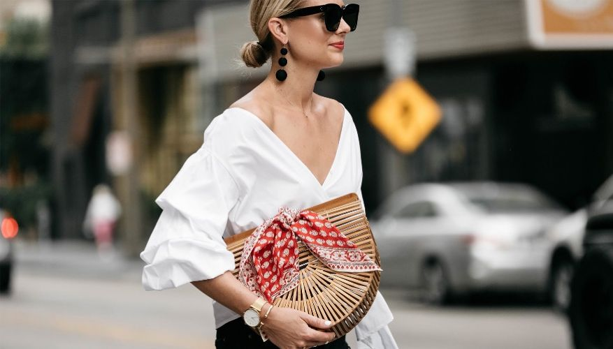 Woven acrylic basket-bag-StreetStyle-Spring-Summer trend buy online on www.axelles-fashion.com