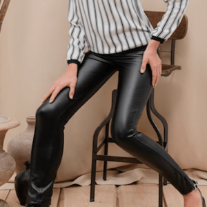 dames, jeggings, leggings, nieuwstrend, blouse gestreept.