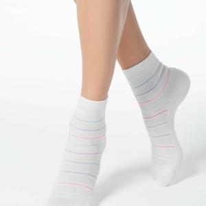 Sokken gestreept ingeweven patroon, wit, 15C-15CP (088). Axelles