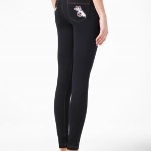Leggings & Jeggings applicatie geborduurd op zakken achterkant-Women's pants (legging/jeggings) with embroidery patch on back pockets, Model: PATCH FUN, Product ID: 17C-389TCP, #AxellesFashion.