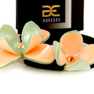 Luxe Haarelastiek twee Camelia's pouder-olive in geschenkdoos, #AxellesFashion