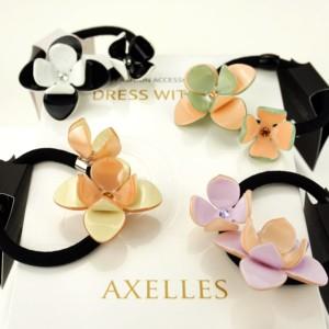 Luxe Haarelastiek twee Camelia's in geschenkdoos, #AxellesFashion
