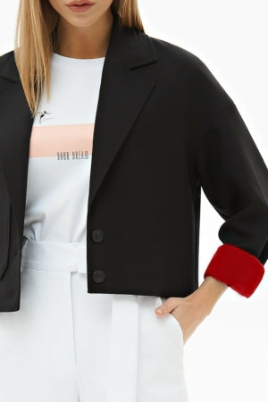 Blazer kort zwart, rode voering, opgestikt zak, AXELLES